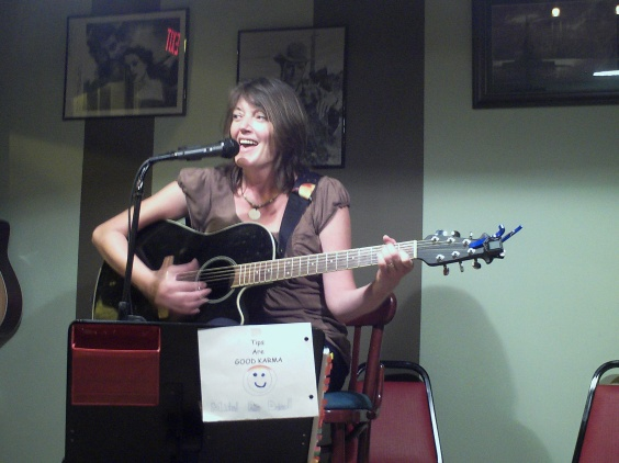 Michel Rae Driscoll performing at the Hideaway Cafe. Photo by Dave Bonan.